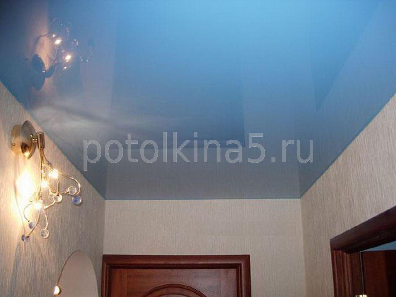 Голубые натяжные потолки фото